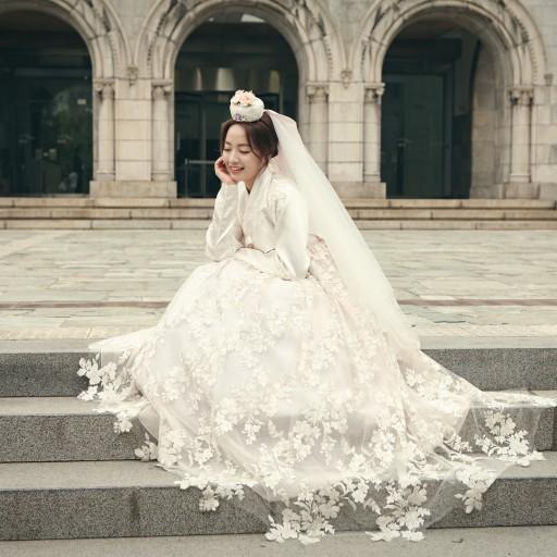 Корейската дизайнерката И Хе-ми на сцената на SFW AW 19/20